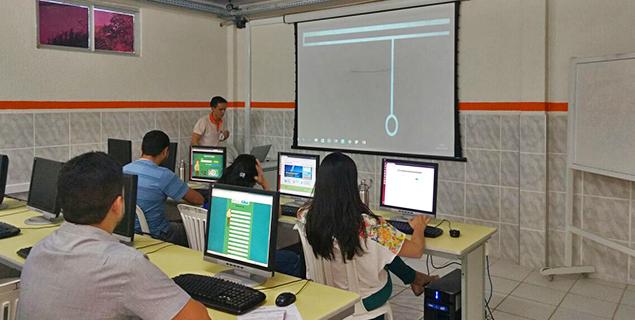 NEAD realiza curso de formação continuada com docentes do curso de administração